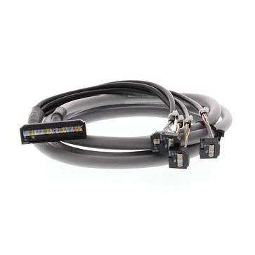 G2RV interfacekabel til brug mellem CJ1W-OD232/OD262 og 4 P2RV-8-O-F-moduler, 2 m P2RV-4-200C 379396